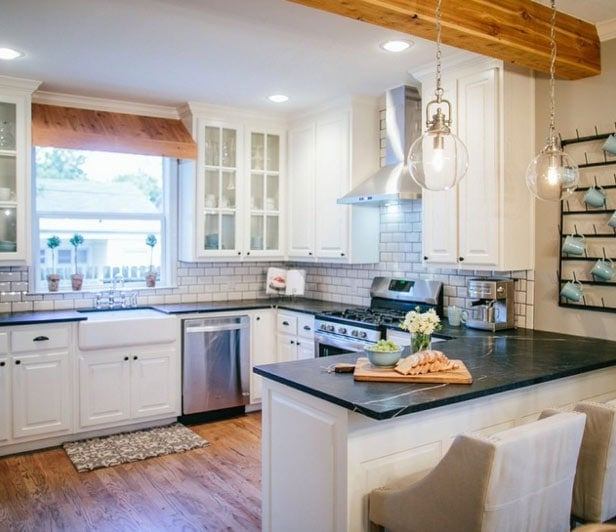 "How To Add ""Fixer Upper"" Style To Your Home"
