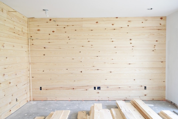 15 awesome shiplap tutorials from your favorite bloggers | The Harper House