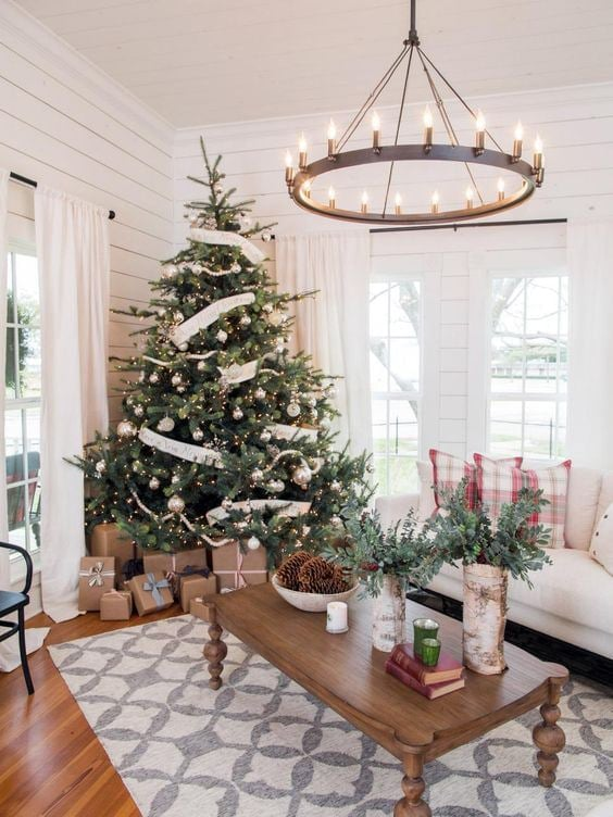 Fixer upper christmas decor page two the harper house for Professional outdoor christmas decorations