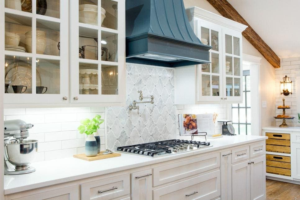 Fixer Upper Cargo Ship House - kitchen details