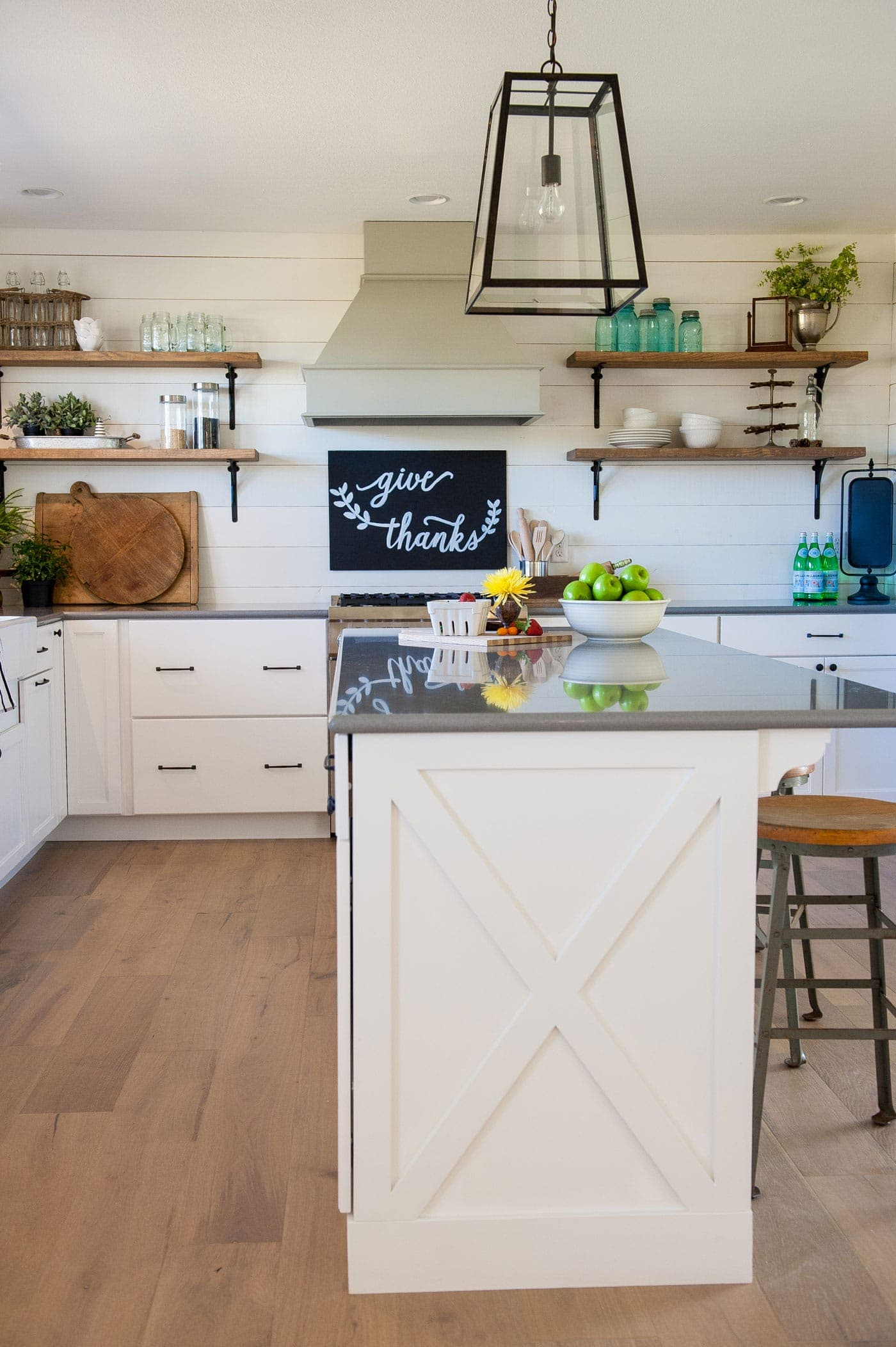 modern farmhouse kitchen reveal | www.theharperhouse.com