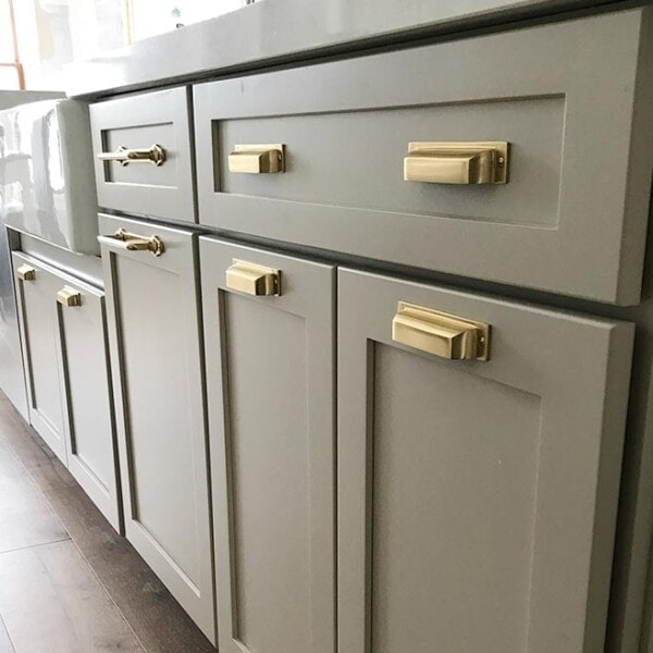 changing kitchen cabinet hardware our farmhouse kitchen reveal the house 13333