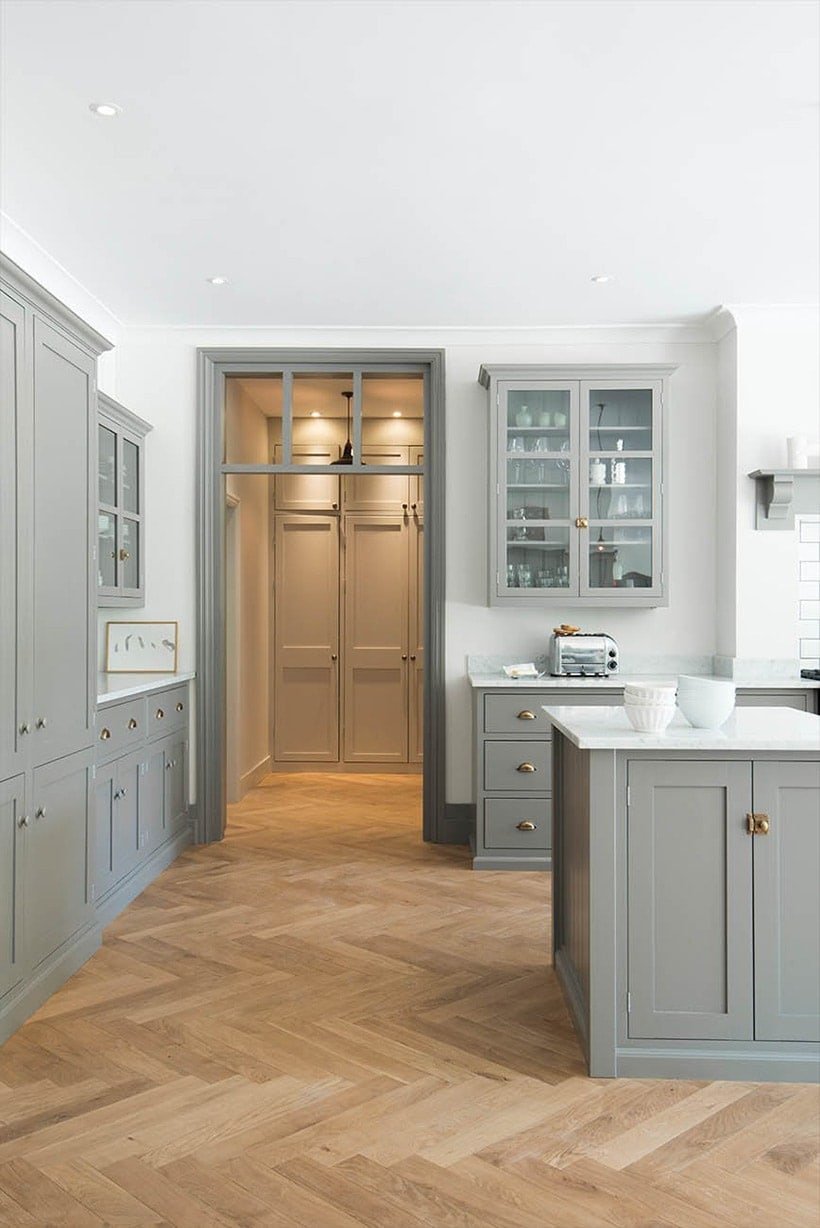 Exceptionnel Herringbone Wood Floor With Gray Shaker Kitchen Cabinets | Design By DeVol  Kitchens