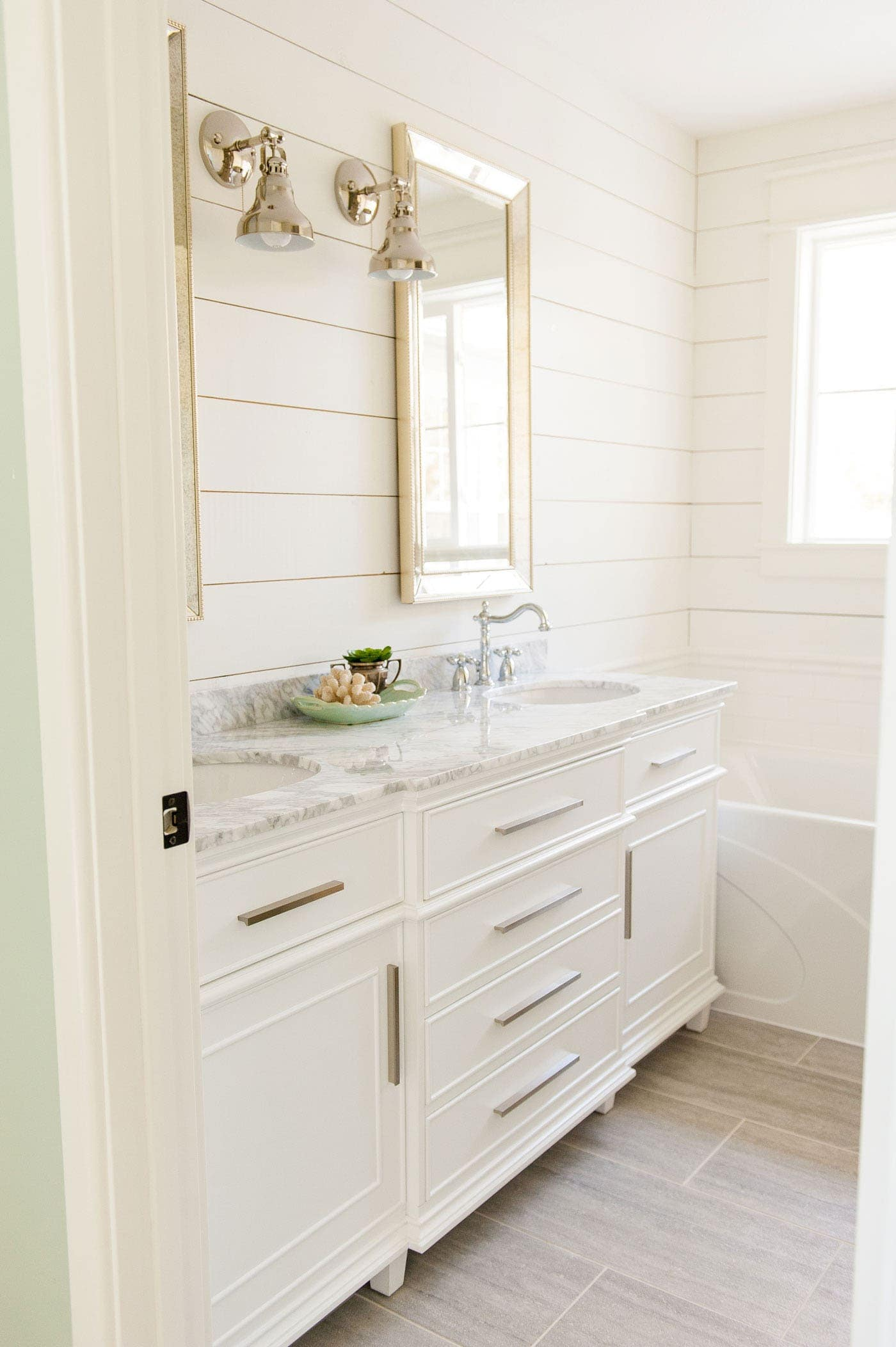 gorgeous vanity available from AMAZON. Click to find out all the details | bathroom vanity ideas | double sink vanities | bathroom renovation | bathroom remodel | farmhouse bathroom | master bath remodel #bathroomdecor #bathroomidea #bathroomdesigns