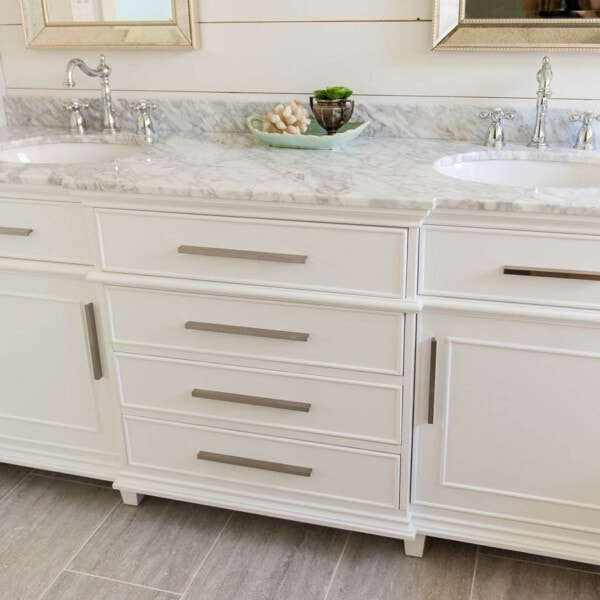 this vanity was purchased on Amazon! wha?? bathroom vanity ideas | double sink vanities | bathroom renovation | bathroom remodel | farmhouse bathroom | master bath remodel