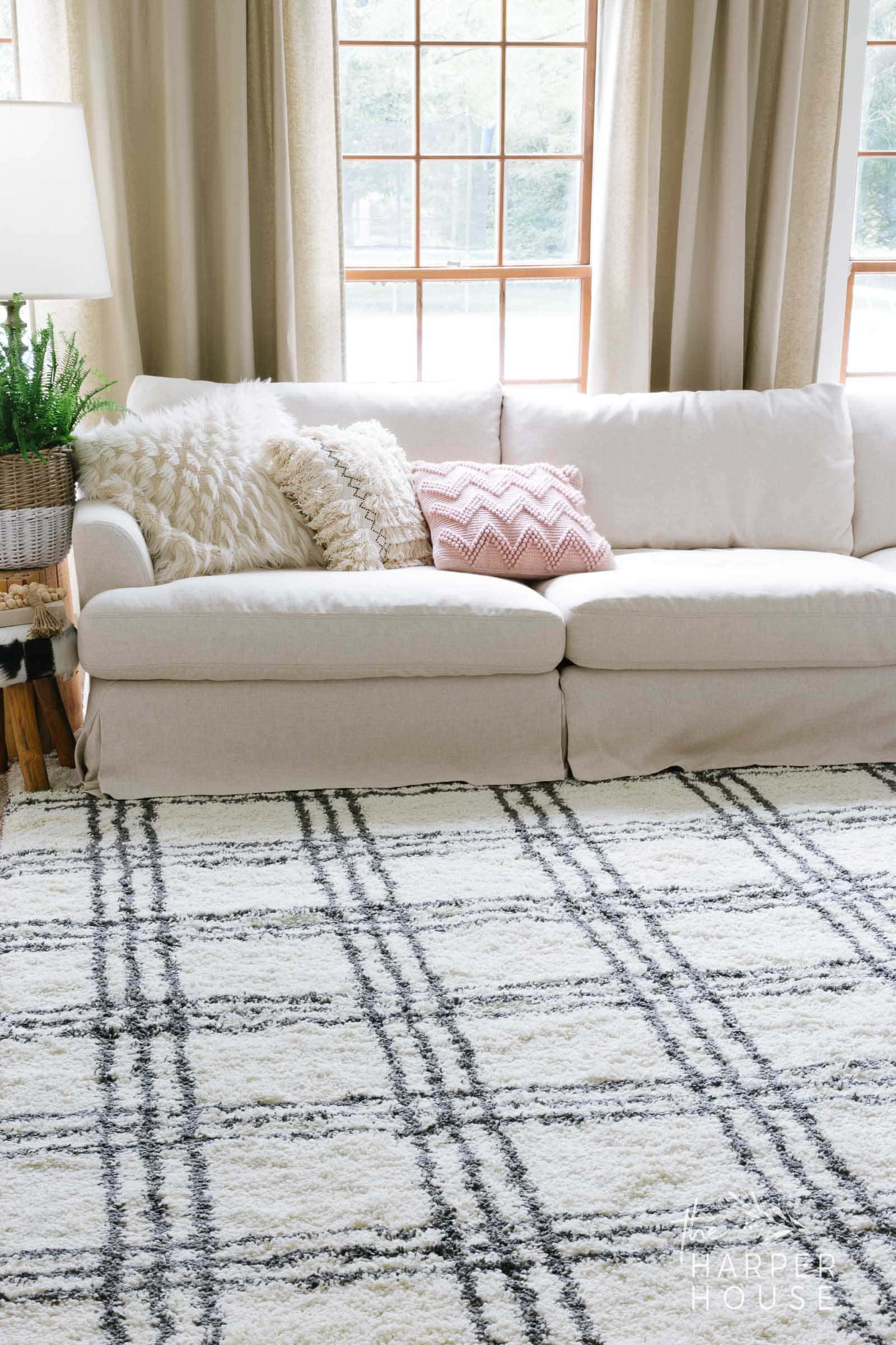 farmhouse rug in living room decorated for fall